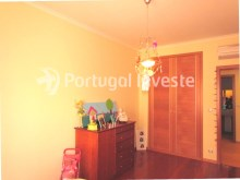 Bedroom 2, For sale 4 bedrooms apartment, parking and storage, in noble condo, 10 minutes away from Lisbon - Portugal Investe%20/33