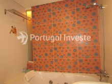 Social bathroom, For sale 4 bedrooms apartment, parking and storage, in noble condo, 10 minutes away from Lisbon - Portugal Investe%23/33