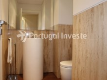 Service bathroom, For sale 3 bedrooms apartment, new, box, Liberty Atrium Residence, 10 minutes from Lisbon downtown - Portugal Investe%21/21