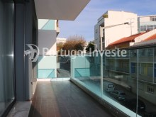 Balcony, For sale 3 bedrooms apartment, new, box, Liberty Atrium Residence, 10 minutes from Lisbon downtown - Portugal Investe%6/21