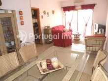 Living room, 2 bedrooms apartment with barbecue and parking - Portugal Investe%2/12