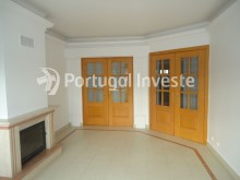 Living room, For sale 3 bedrooms apartment, storage, beautiful view, 10 minutes away from Lisbon - Portugal Investe%4/23