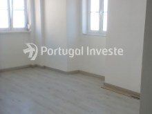 Living room, For sale 2 bedrooms apartment, renewed, nice located, neighborhood of Lisbon, Ajuda - Portugal Investe%3/11