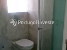 Bathroom 2, For sale 2 bedrooms apartment, renewed, nice located, neighborhood of Lisbon, Ajuda - Portugal Investe%11/11