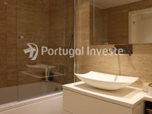 Bathroom, For sale 2 bedrooms apartment, garage box, Liberdade Atrium enterprise, 10 minutes away from Lisbon - Portugal Investe%23/26