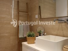 Suite's bathroom, For sale 2 bedrooms apartment, garage box, Liberdade Atrium enterprise, 10 minutes away from Lisbon - Portugal Investe%18/26