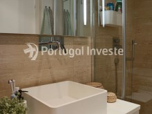 Suite's bathroom, For sale 2 bedrooms apartment, garage box, Liberdade Atrium enterprise, 10 minutes away from Lisbon - Portugal Investe%17/26