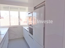 Kitchen, For sale 2+1 bedrooms apartment, fully renewed, 10 minutes away from Lisbon - Portugal Investe%2/16