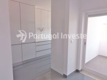 Kitchen, For sale 2+1 bedrooms apartment, fully renewed, 10 minutes away from Lisbon - Portugal Investe%3/16
