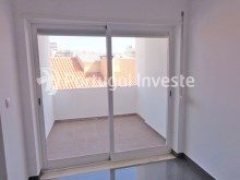 Dinning room terrace, For sale 2+1 bedrooms apartment, fully renewed, 10 minutes away from Lisbon - Portugal Investe%5/16