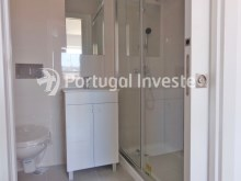 Wc Suite, For sale 2+1 bedrooms apartment, fully renewed, 10 minutes away from Lisbon - Portugal Investe%12/16