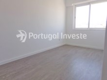 Bedroom 2, For sale 2+1 bedrooms apartment, fully renewed, 10 minutes away from Lisbon - Portugal Investe%13/16