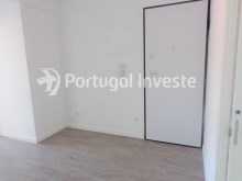 Hall, For sale 2+1 bedrooms apartment, fully renewed, 10 minutes away from Lisbon - Portugal Investe%16/16