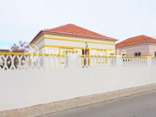 For sale 3 bedrooms villa, renewed, garage, 10 minutes from Lisbon, in Caparica - Portugal Investe%1/14
