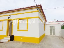 Outside, For sale 3 bedrooms villa, renewed, garage, 10 minutes from Lisbon, in Caparica - Portugal Investe%2/14