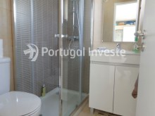 Wc 1, For sale 3 bedrooms villa, renewed, garage, 10 minutes from Lisbon, in Caparica - Portugal Investe%13/14