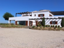 Lovely country estate with 3 bed villa and licensed professional horse facilities | 3 Bedrooms | 3WC