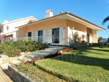 7 bedroom villa with swimming pool, Cascais: front of the House%4/28