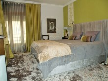 T5 refurbished, sea view, Cascais: Master suite%12/17