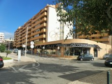 Two-bedroomed apartment with pool, guide, Cascais: Bag%3/4