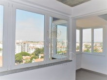 +1 renovated apartment with sea and serra, Cascais%2/10