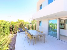 House 3 bedrooms of contemporary architecture in a privileged area of Cascais%2/21