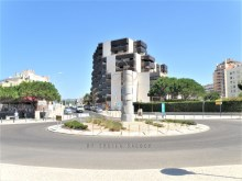 House 3 bedrooms of contemporary architecture in a privileged area of Cascais%18/21