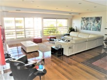 3 bedroom apartment with sea view in prestigious condominium with swimming pool %3/18