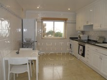 2 bedroom sea view condominium modern with swimming pool and tennis court, Cascais Guide%16/24