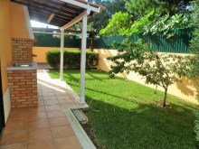 Villa with pool, Bicuda, Cascais: garden and barbecue%12/25