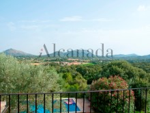 Stunning villa in Pollenca in a huge plot in the mountains_03%3/29