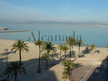 Frontline flat in front of Arenal Harbour%1/15