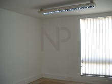 Lisbon, Campolide, Office for rent close to Amoreiras Shopping, with excellent natural light and City view.%7/10