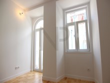 Lisbon, Anjos, excellent apartment for sale with a new housing concept%3/23