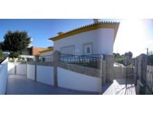 Algarve, Monte Canelas, 4 bedrooms villa with garden and pool%1/12
