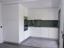 Excellent 2 bedroom apartment new with custom finishes%1/20