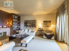 Apartment Well Located, Cascais, Lisbon. | 4 Bedrooms | 6WC