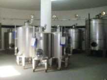 Fermentation tanks1 mi10232%12/44