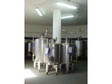 Fermentation tanks2 mi10232%13/44