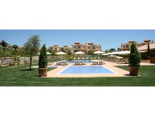 Linked Villas - pool area%12/12