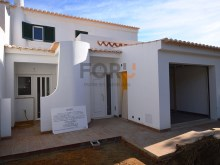 3 Bedroom Villa in Quarteira | 3 Bedrooms | 3WC