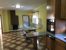 House › Santa Maria da Feira | 3 Bedrooms + 1 Interior Bedroom