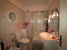 House-sale-5-rooms-City Centre-Quarteira-buymeproperty%15/17