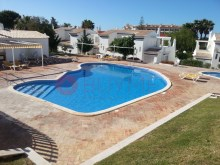 House-sale-pool-Condominio-Closed-Vilamoura-buyme-Property%1/10