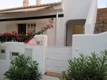 House-sale-pool-Condominio-Closed-Vilamoura-buyme-Property%2/10