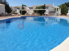 House-sale-pool-Condominio-Closed-Vilamoura-buyme-Property%10/10