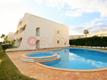 Cliffs-Golf-pool-pool-Vilamoura-buyme-Property%12/14