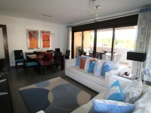 Excellent 2 bedroom apartment in private condominium of Vilamoura%3/16