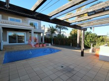 Villa with pool for sale in Vilamoura-outdoor zone%2/16