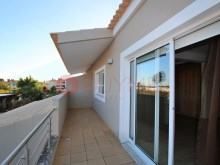 Villa with pool for sale in Vilamoura-balcony room%13/16